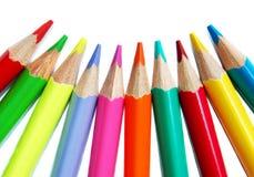 Crayons colorés d'isolement images stock