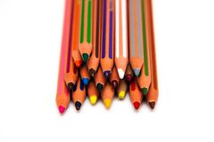 Crayons colorés d'isolement sur le fond blanc Photos stock