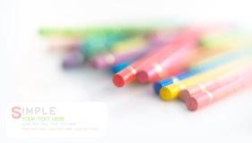 Crayons colorés et bokeh mou Image libre de droits