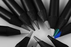 Crayons colorés par bleu Photographie stock