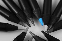 Crayons colorés par bleu Photos libres de droits