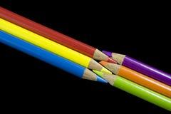 6 crayons colorés primaires et secondaires Photos stock