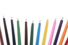 Crayons colorés sur le blanc Image stock