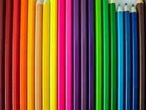 Crayons colorés sur le fond blanc Photo libre de droits