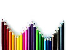 Crayons colorés sur le fond blanc Photo stock