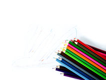 Crayons colorés sur le fond blanc Images stock