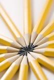 Crayons dans la forme d'étoile. Photos stock