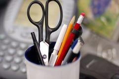 Crayons dans un choc image libre de droits