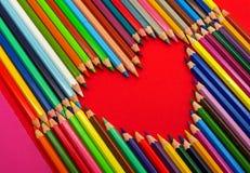 Crayons de couleur, coeur Image libre de droits