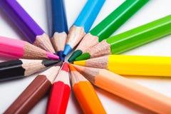 Crayons de couleur d'arc-en-ciel Photographie stock libre de droits