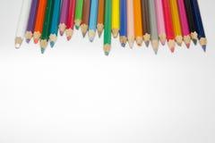 Crayons de couleur d'isolement sur le fond blanc Photo stock