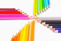 Crayons de couleur d'isolement sur le fond blanc images libres de droits