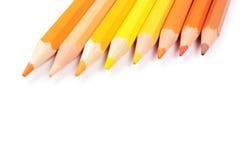 Crayons de couleur d'isolement sur le fond blanc images stock