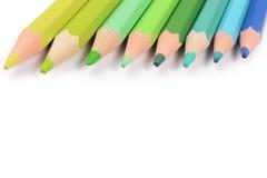 Crayons de couleur d'isolement sur le fond blanc photo libre de droits