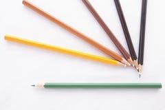 Crayons de couleurs sur le fond blanc Images libres de droits