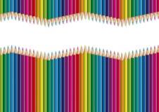Crayons de papier alignés une forme d'onde et en formant un gradient de couleurs pour une présentation illustration libre de droits