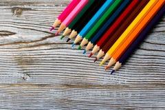 Crayons Dessin avec un crayon Apprentissage pour dessiner photographie stock
