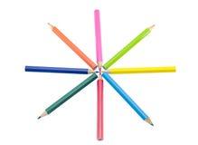 Crayons disposés dans une forme d'étoile Photo stock