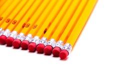 Crayons du numéro 2 sur un fond blanc Projectile de studio Photographie stock libre de droits