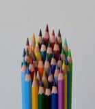 Crayons en bois colorés par dièse Image libre de droits