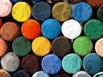 Crayons en pastel secs colorés étroitement Photos stock