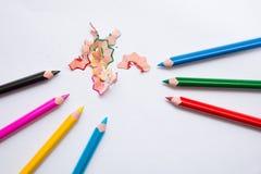 Crayons et épluchages Image stock