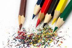 Crayons et copeaux de couleur Photographie stock libre de droits