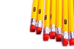 Crayons et gommes de dessin du numéro 2 jaunes Photos libres de droits