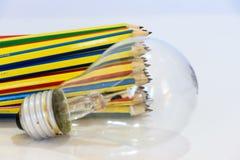 Crayons et lampe images libres de droits