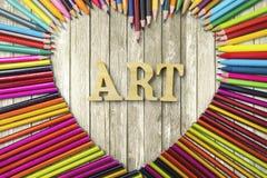 Crayons et marqueur de couleur avec le texte d'art Photo stock