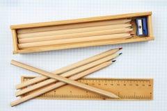 Crayons et règle Photographie stock libre de droits
