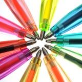 Crayons lecteurs au néon de diverses couleurs photo stock