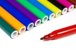 Crayons lecteurs de repère colorés d'isolement Image stock