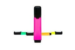 Crayons lecteurs de repère colorés de bureau image stock