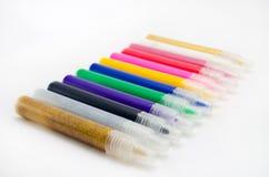 Crayons lecteurs feutres multicolores photos stock