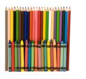crayons mångfärgade blyertspennor arkivfoton