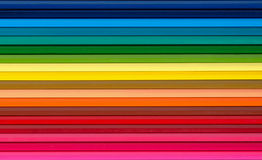 Crayons multicolores réglés sur un fond blanc Images stock