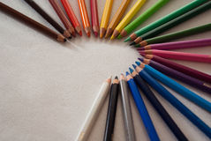 Crayons sur la table blanche Photographie stock libre de droits