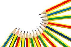 Crayons sur le blanc. images libres de droits