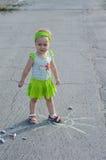 crayons tecknar flickan little Royaltyfri Bild