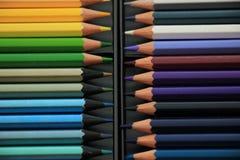 Crayons tous neufs de couleur Photos stock