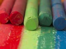 Crayouns artistiques colorés Photographie stock libre de droits