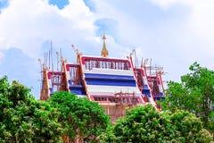 Creërend Boeddhistisch kerkdak Royalty-vrije Stock Afbeeldingen