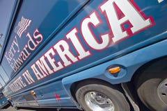 Crea en los bus turístico de América parqueados delante del centro del Rec de la opinión del valle, Henderson, nanovoltio Fotos de archivo
