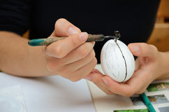 Creación del huevo de Pascua ucraniano Imagen de archivo