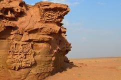 Creación hermosa de la naturaleza en desierto del saudí foto de archivo