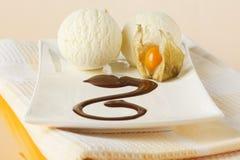 cream ваниль physalis льда плодоовощ Стоковые Изображения RF