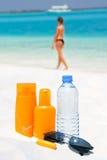 cream вода солнечных очков солнца предохранения Стоковые Изображения
