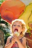 cream девушки морозят как немногая Стоковое Изображение RF