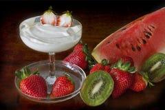 cream свежий арбуз клубник кивиа Стоковая Фотография RF